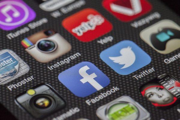 Vender por Facebook: razones, trucos y ventajas e inconvenientes