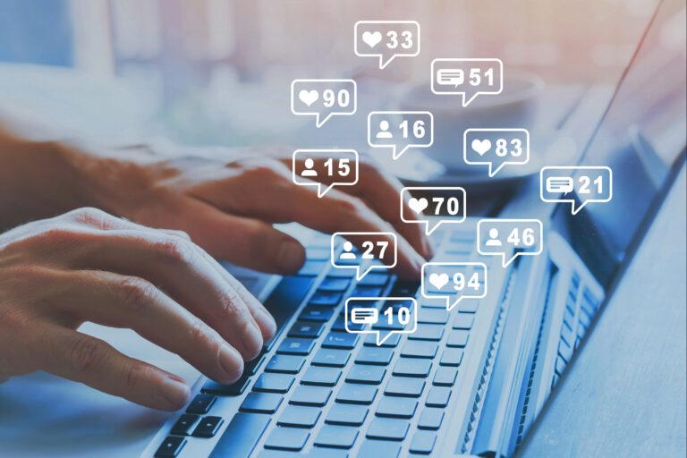 ¿Qué hace un Social Media?